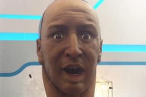 Han o robô humanoide que pode ler expressões faciais