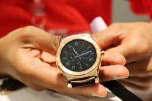 Aplicativo da LG permite fazer ligações usando o relógio inteligente